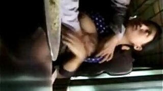 Very Hot Babes In Public - duration 1:23