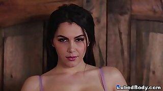 LORRA BERRIESA destro seden hemmintsask. How to seduce a girl inside her wifes - duration 6:02