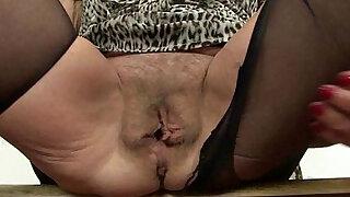 British lady needs orgasmic relief - duration 12:00