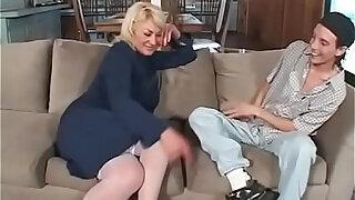 MIlf sucks and fucks stepson - duration 19:00