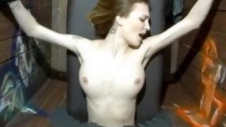 暴力性爱 - Sexy and horny 18 year old slut