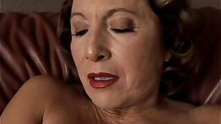 Gorgeous granny with nice big tits fucks her juicy pussy for you - duration 10:00