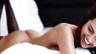 Esha gupta indian celeb hot sex video 2017 - duration 3:00
