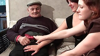 FFM Two french brunette sharing an old man cock of Papy Voyeur - duration 26:00