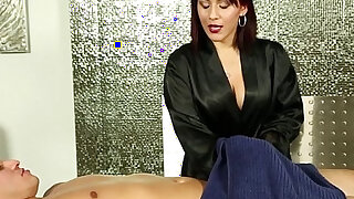 Jizzy mouth masseuse suck - duration 5:00