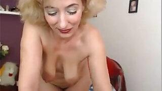 yaşlı kadınlar - Blonde Granny Teasing