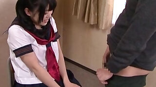 Subtitled Japanese schoolgirl Tsugumi Mutou gokkun blowjob - duration 7:00