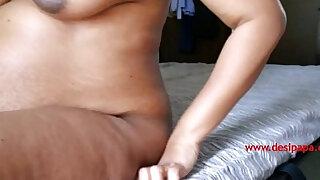 Indian Pregnant Bhabhi Juicy Boobs - duration 0:29