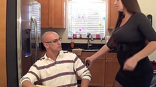 Madisin lee in milf mom helps son with his term paper blue balls - duration 4:00