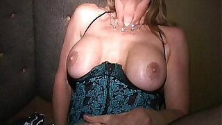 Masks make MILF Martha and her friends into cum crazy cougars - duration 8:00
