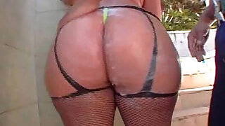 Huge brazilian ass Paula - duration 30:00