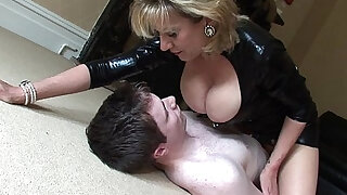 Lady sonia breast smothered - duration 11:00