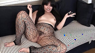 Asian Toying Her Hairy wet Pussy - duration 6:00