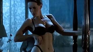 Jamie Lee Curtis Striptease in HD - duration 2:00