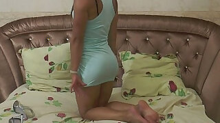 Fit model Lera rubs her pussy - duration 12:00