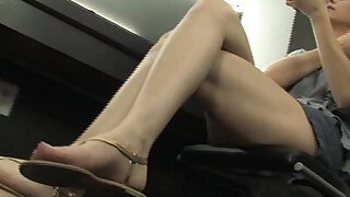 flip flop and foot worship - duration 1:35