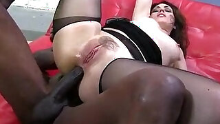 Big butt babe takes huge black cock up the ass - duration 5:00