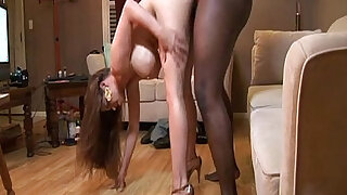 Super hung stud tries porn for the first time - duration 11:00
