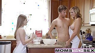 Blonde Teen Threesome With Dick for Mom - duration 8:45