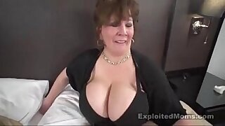 Chubby Interracial slut fucked in car - duration 39:03