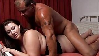 Plumper Goldie Spinner Picked Up And Fucked - duration 19:49