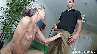 Granny dildo sucking and fucking herself - duration 4:38